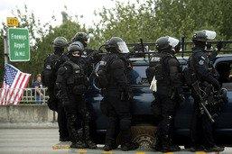Pas d'incident majeur à Portland lors de manifs des deux extrêmes