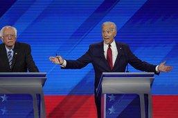 Le favori centriste Biden à l'offensive dans un vif débat démocrate