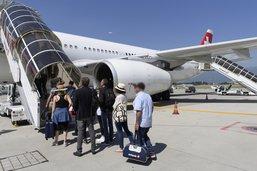 Le Gouvernement fribourgeois soutient la taxe sur les billets d'avion