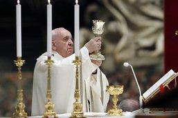 """Pape François: """"l'obscurité et la mort n'ont pas le dernier mot"""""""