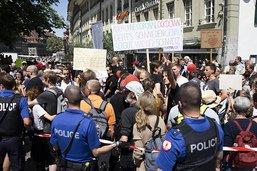 Manifs contre les restrictions dans plusieurs villes suisses