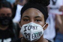 Noir tué à Minneapolis: hommage d'une foule immense à Houston