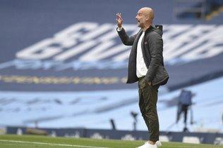 """Guardiola """"incroyablement heureux"""", Mourinho beaucoup moins"""