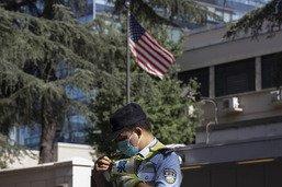 La Chine investit le consulat des Etats-Unis à Chengdu
