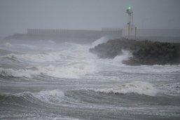 Le typhon Haishen arrive en Corée du Sud, blessés légers au Japon