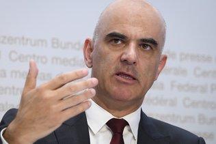 L'OFSP est soumis à une grande pression, explique Alain Berset