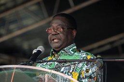 """Ouattara en tête, l'opposition appelle à une """"transition civile"""""""
