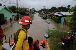 L'ouragan Eta déferle sur les côtes du Nicaragua