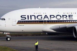 Singapour: agapes dans des avions cloués au sol