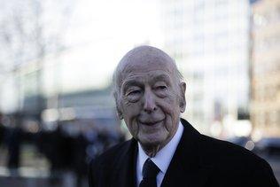 L'ancien président français Giscard d'Estaing est mort du Covid-19