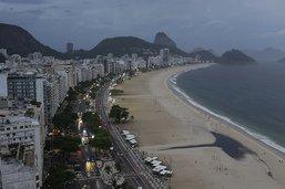 A Copacabana, les fêtards grimacent mais la plage respire
