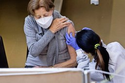 Le tempo avec le vaccin jugé trop lent