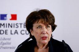 De l'oxygène pour la ministre française Bachelot à l'hôpital