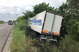 Un camion dévie de sa course sur l'A1