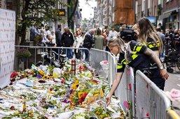 Les Néerlandais rendent hommage au journaliste tué à Amsterdam