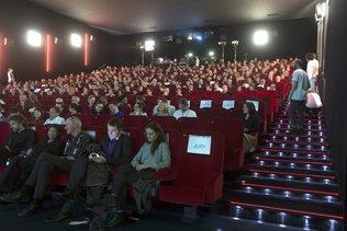 Les cinémas romands veulent rouvrir avant noël